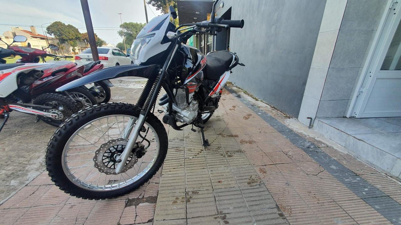triax 150