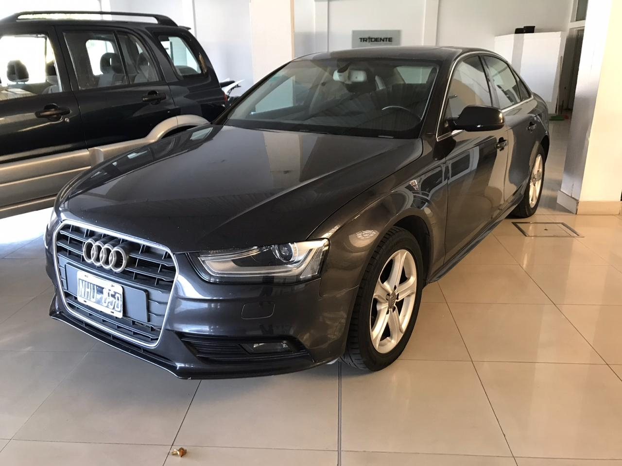 Audi A4 2.0T Ambition stronic